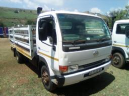 2013-nissan-ud40-with-cattle-body-221351km-to-be-collected-in-phelindaba-no-batteries-doesn-t-idle-