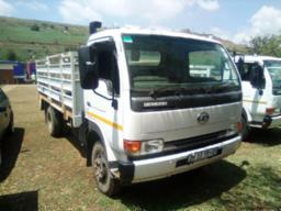2014-nissan-ud40-with-cattle-body-83155km-to-be-collected-in-phelindaba-bumper-loose-
