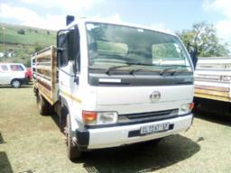 2013-nissan-ud40-with-cattle-body-240931km-to-be-collected-in-phelindaba-