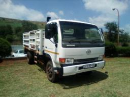 2014-nissan-ud40-with-cattle-body-213049km-to-be-collected-in-phelindaba-