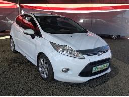 2012-ford-fiesta-1-6i-titanium-3dr-body-panels-scratched