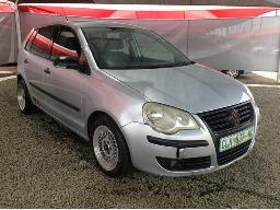 2008-volkswagen-polo-classic-1-4-trendline-windscreen-cracked-right-front-rear-lights-broken-body-panels-dented-scratched