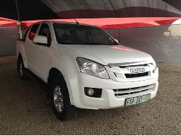 2013-isuzu-kb-250-d-teq-le-p-u-d-c-windscreen-cracked-front-bumper-cracked-loose-right-rear-fender-damaged