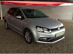 2015-volkswagen-polo-gp-1-2-tsi-comfortline-66kw-windscreen-cracked-resprayed-left-front-rear-doors-dented