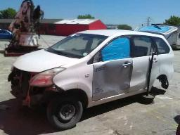 2014-toyota-avanza-1-3-sx-non-runner-no-engine-shocks-in-car-no-back-wheels-no-door-panels-front-no-gearbox