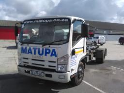 2017-isuzu-npr400-amt-skip-crane-truck