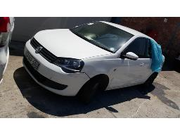 2015-volkswagen-polo-vivo-gp-1-4-trendline-non-runner-battery-flat-2-flat-tyres-rear-window-broken-unable-to-open-boot-drivers-side-mirror-broken