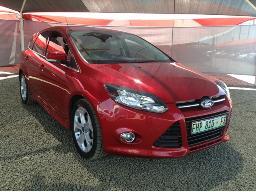 2013-ford-focus-2-0-gdi-sport-5dr-