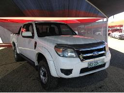 2011-ford-ranger-3-0tdci-xlt-hi-trail-p-u-sup-cab-windscreen-cracked-minor-scratches-along-body-panels