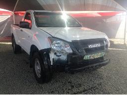 2014-isuzu-kb-250d-leed-fleetside-p-u-s-c-front-bumper-missing-body-panels-scratched-resprayed-windscreen-cracked