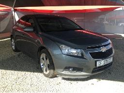 2011-chevrolet-cruze-2-0d-lt-front-bumper-loose-body-panels-scratched