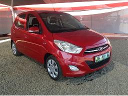 2016-hyundai-i10-1-1-gls-motion-front-bumper-loose-right-side-headlight-cracked-body-panels-scratched