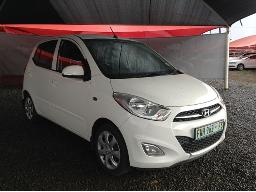 2015-hyundai-i10-1-1-gls-motion-windscreen-cracked