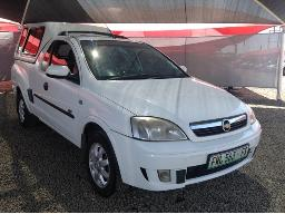 2011-chevrolet-corsa-1-7-dti-sport-p-u-s-c-with-a-canopy-front-bumper-resprayed