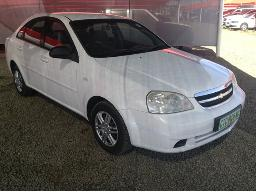 2007-chevrolet-optra-1-6-l-stone-chipsmarks-on-windscreen-body-panels-scratched-rear-bumper-cracked