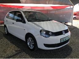 2012-volswagen-polo-vivo-1-4-5dr-windscreen-cracked-minor-scratches-along-body-panels