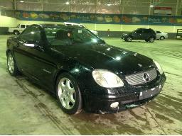 2003-mercedes-benz-slk-200-kompressor-chipmarks-on-front-bumper-ariel-missing