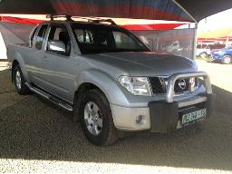 2011-nissan-navara-2-5dci-xe-k-cab-p-u-s-c-accident-damaged