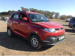 2016-mahindra-kuv-100-1-2-k4-windscreen-cracked-body-panels-dented-scratched