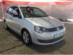 2012-volkswagen-polo-vivo-1-4-blueline-5dr-body-panels-scratched