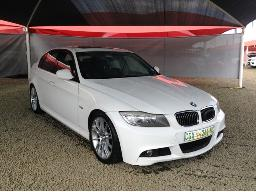 2011-bmw-330i-a-t-e90-windscreen-cracked-right-rear-light-cover-broken-body-panels-scratched