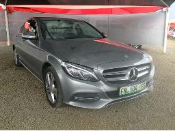 2014-mercedes-benz-c180-avangarde-a-t-windscreen-cracked-body-panels-dented-scratched