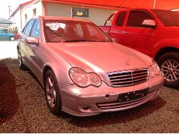 2007-mercedes-benz-c200k-classic-a-t-body-panels-dented-scratched-cubbyhole-broken-srs-warning-light-on