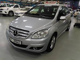 2011-mercedes-benz-b180-a-t