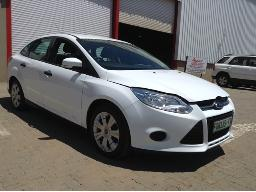 2012-ford-focus-1-6-ti-vct-ambiente-body-panels-scratched