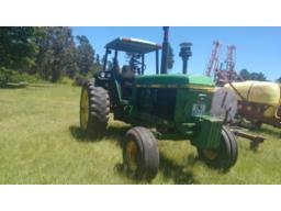 john-deere-4040-tractor-sold-with-no-natis-