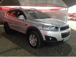 2013-chevrolet-captiva-2-4-lt-side-view-mirror-cover-broken-body-panels-scratched-left-front-fender-damaged-no-indicator-light