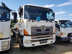 2015-hino-700-3541-ssc-amt-8x4-twinsteer-chassis-cab