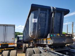 2001-henred-fruehauf-tri-axle-end-tip-trailer