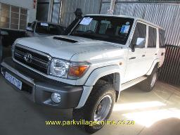 2013-toyota-land-cruiser-4-5-v-station-wagon-89414km
