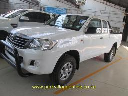 2015-toyota-hilux-2-5-d4d-extended-cab-81885km