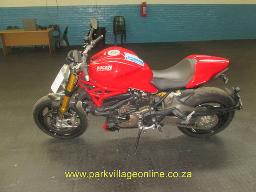 2015-ducati-748-monster-1200-s-4005km