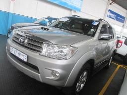 2011-toyota-fortuner-3-0-d4d-190000km