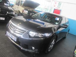 2014-honda-accord2-0i-a-t-66510km