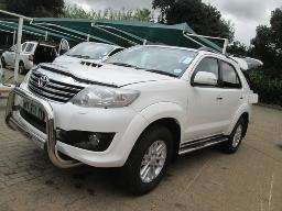 2012-toyota-fortuner-3-0-d4d-120307km