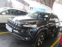 2016-jeep-cherokee-3-2-12356km
