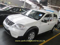2014-nissan-np-200-1-6-16v-safety-pack-46172km