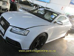 2011-audi-rs-5-odo-understated-38366km