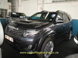 2012-toyota-fortuner-2-5-d4d-94100km