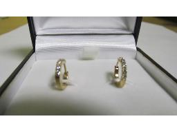 pair-rose-gold-and-diamond-earrings