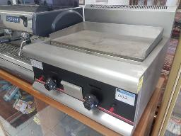 industrial-two-port-flat-plate-gas-griller-weight-46kg-power-21879-btu