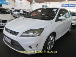 2011-ford-focus-st-41061km