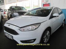 2015-ford-focus-ecoboost-36540km