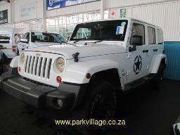 2012-jeep-wrangler-unlt-sahara-3-6-144298km