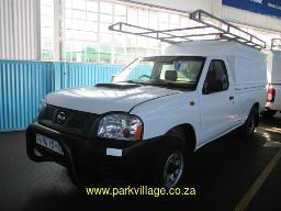 2016-nissan-hardbody-np300-tdi-ldv-with-canopy-and-roof-rack-122815km