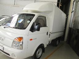 2010-hyundai-h-100-254246km